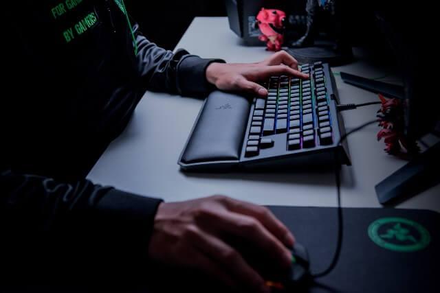 Razer BlackWidow Tournament Edition Chroma V2 - во время игры
