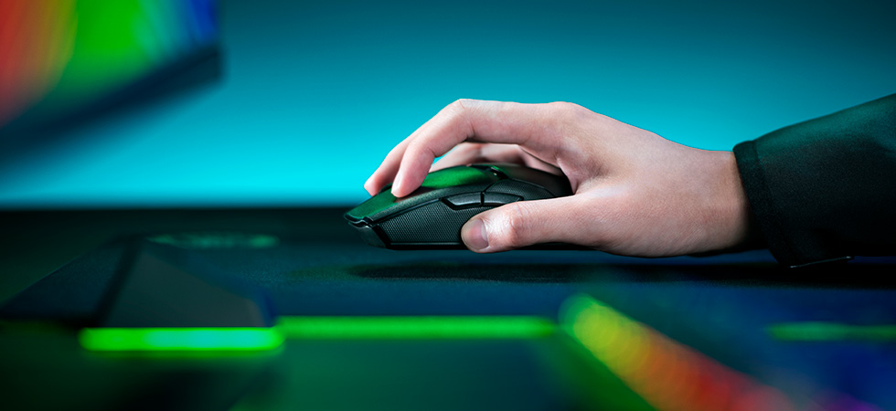 Мышь оснащена новой технологией беспроводного подключения Razer HyperSpeed